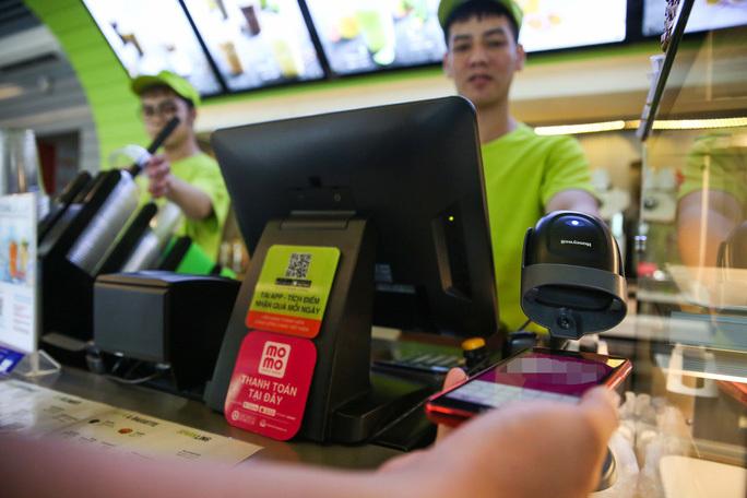 e-wallet,MoMo,payment service,non-cash economy,vietnam economy