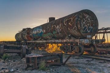 Nghĩa địa tàu hỏa khổng lồ giữa sa mạc
