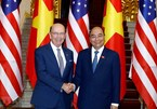 PM Nguyen Xuan Phuc receives US Secretary of Commerce