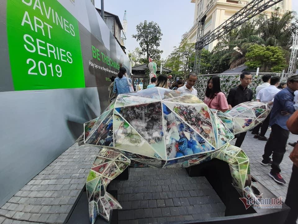 Triển lãm có một không hai ở Hà Nội khiến ai xem cũng giật mình