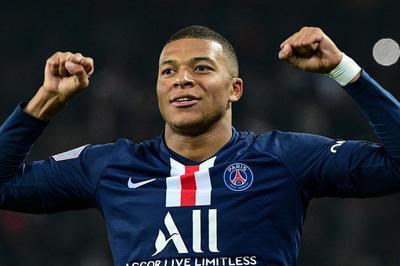 Pogba dứt tình MU, PSG dùng tiền trói Mbappe