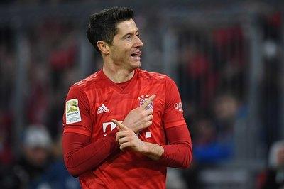 """Lewandowski lập cú đúp, Bayern """"nghiền nát"""" Dortmund"""