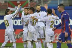 """Benzema chói sáng, Real Madrid đại thắng """"4 sao"""""""