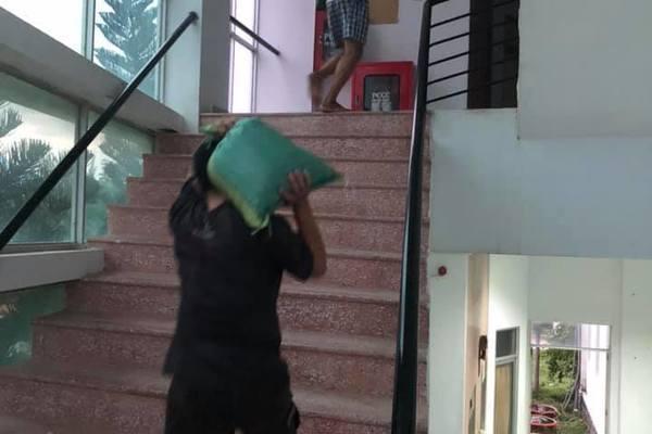 Người Phú Yên hối hả chạy tránh bão số 6
