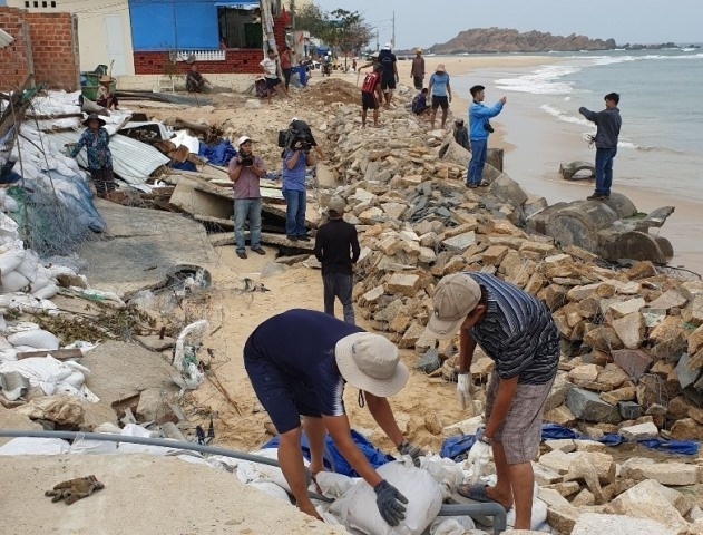 Vietnam's central region prepares for impending impact of storm Nakri