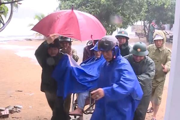 Dự báo thời tiết 11/11, bão số 6 suy yếu, miền Trung vẫn mưa to