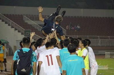 Cầm hoà U19 Nhật Bản, U19 Việt Nam nhận mưa lời khen