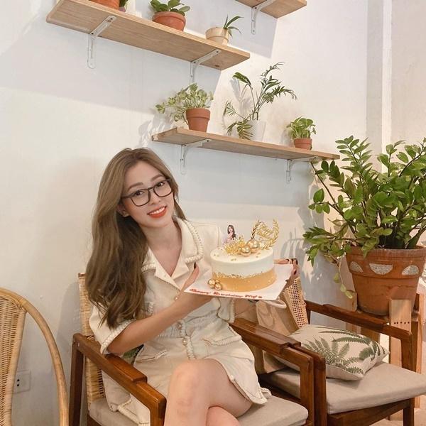 Lưu Hương Giang đăng ảnh chung với Hồ Hoài Anh sau ồn ào ly hôn
