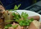 Đuôi lợn hầm củ sen bổ dưỡng