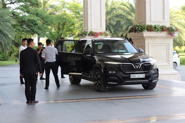 Ngô Thanh Vân đi xe VinFast dự đám cưới Đông Nhi