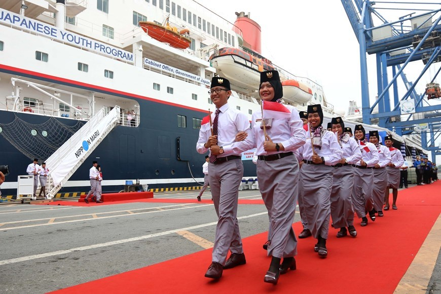 Southeast Asia-Japan youth ship arrives in HCM City