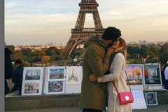 Cô sinh viên du lịch khắp thế giới để hôn các 'hot boy' xa lạ