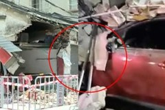 Mới lấy bằng, nữ tài xế lái xe tông sập tường nhà dân