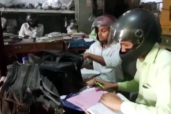 Ấn Độ,chuyện hy hữu,đội mũ bảo hiểm