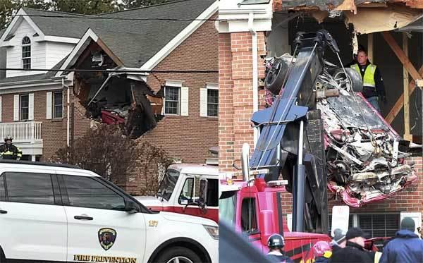 Xe Porsche mất lái, 'bay' đâm thủng nhà tầng hai