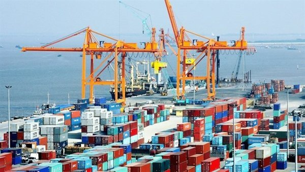 Vietnam sees US$9 billion trade surplus in Jan-Oct