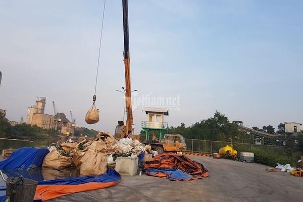 Bục đường ống Xi măng Chinfon Hải Phòng, dầu tràn ra sông