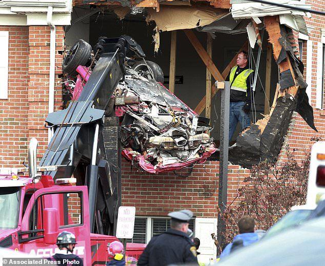 Porsche,tai nạn giao thông,xe mất lái