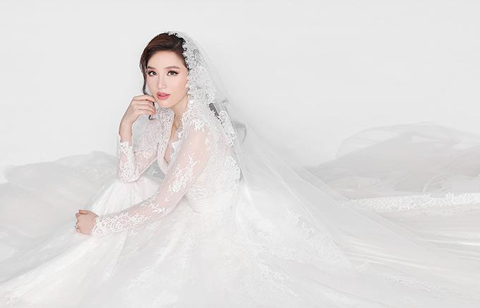 Bảo Thy khoe ảnh cưới với doanh nhân Hà Tĩnh