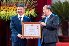 NSND Lê Tiến Thọ: 'Nhiều huy chương, giá trị danh hiệu càng hạ xuống'