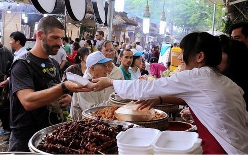 pavilions,delicious dishes,global delicacies,festival,Vietnamese street food,Vietnam News
