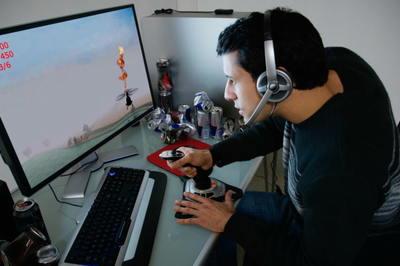 Game thủ Mỹ 'ngốn' điện và thải CO2 khủng khiếp