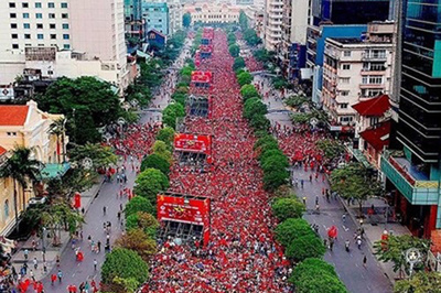 Trực tiếp Việt Nam đá World Cup và Sea Games trên phố đi bộ Nguyễn Huệ