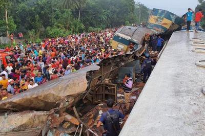 Hai tàu hỏa đâm nhau ở Bangladesh, ít nhất 16 người chết