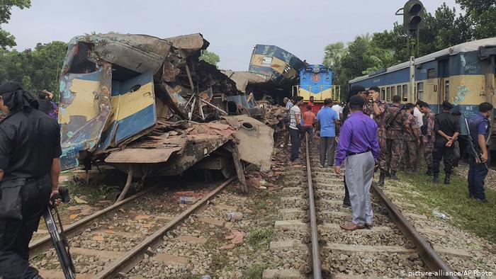 Bangladesh,tàu hỏa,đường sắt,va chạm,tai nạn,thiệt mạng,giao thông