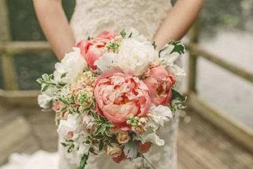 Bật khóc tức tưởi trước giờ rước dâu vì lỡ đồng ý lấy chồng già để trả nợ ân tình cho bố mẹ, về đến nhà chồng tôi mới xấu hổ khôn cùng
