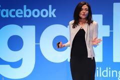 'Nữ tướng Facebook' cũng không thể chế ngự mạng xã hội này