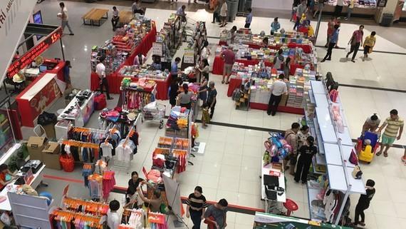 Vietnamese products,Vietnamese goods,distribution channels,Vietnamese enterprises,Walmart,Lotte,Aeon,Saigon Co.op,Big C