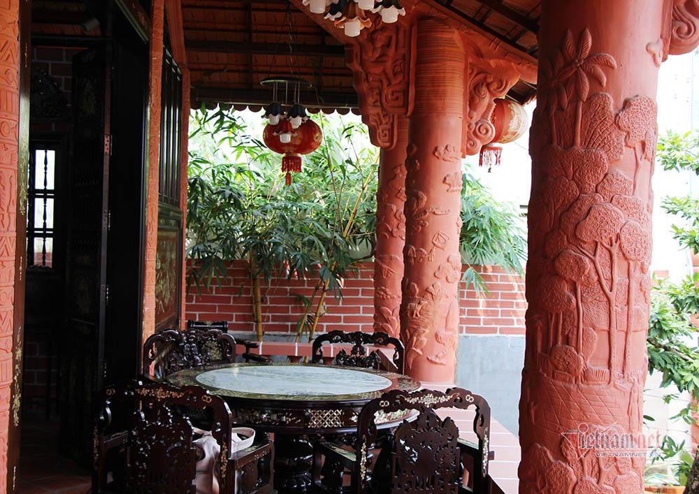 Biệt phủ bằng gốm đỏ có 1 không 2 Việt Nam của đại gia miền Tây