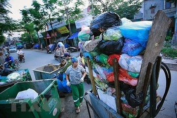 Hanoi, Hoi An intensify fight against plastic wastes