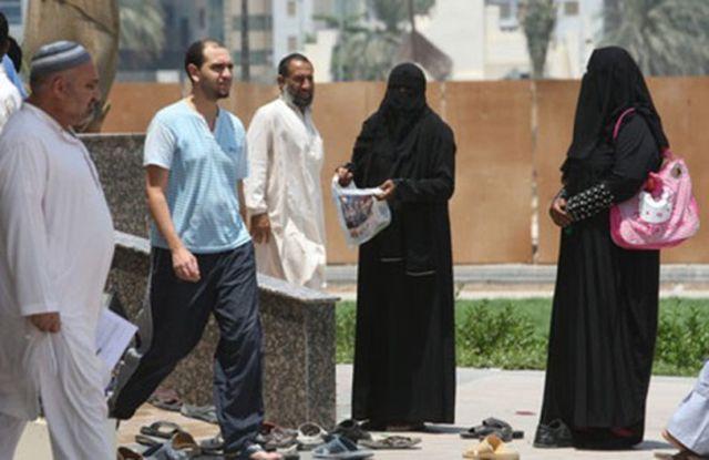 Thu nhập ngàn đô của những người ăn xin chuyên nghiệp tại Dubai