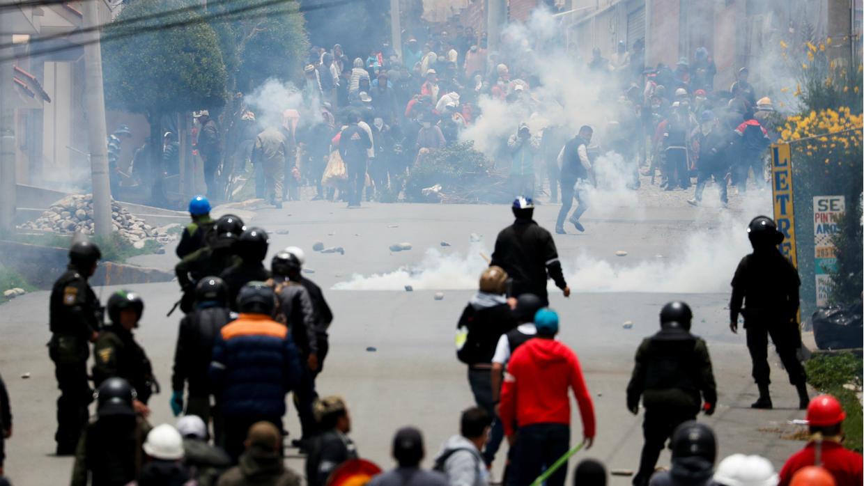 Mỹ sơ tán gia đình quan chức ra khỏi Bolivia