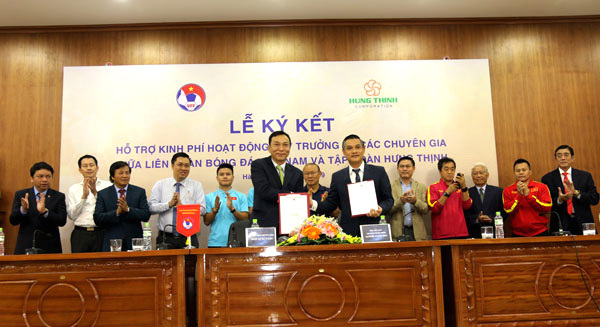 Hung Thinh Corp to pay part of Park Hang-seo's salary