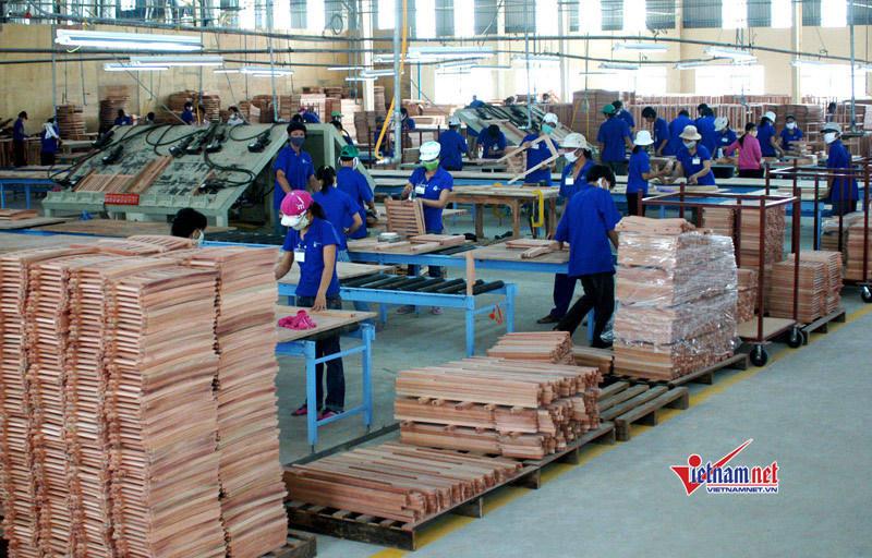 Ông chủ xưởng gỗ trưởng thành sau khoá học nghề thiết thực