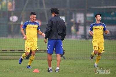 Thầy Park gạt 2 cầu thủ CLB Thanh Hoá khi đấu UAE
