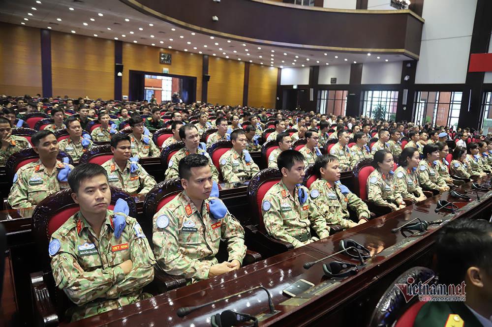Trao quyết định của Chủ tịch nước cho sĩ quan đi Nam Sudan