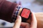 Apple Watch Series 6 sẽ dùng màn hình tinh thể lỏng?