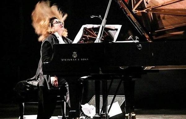 Pianist raises environmental awareness