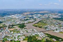 Sôi động nhà phố ven sông Cần Giuộc nhờ hạ tầng phát triển