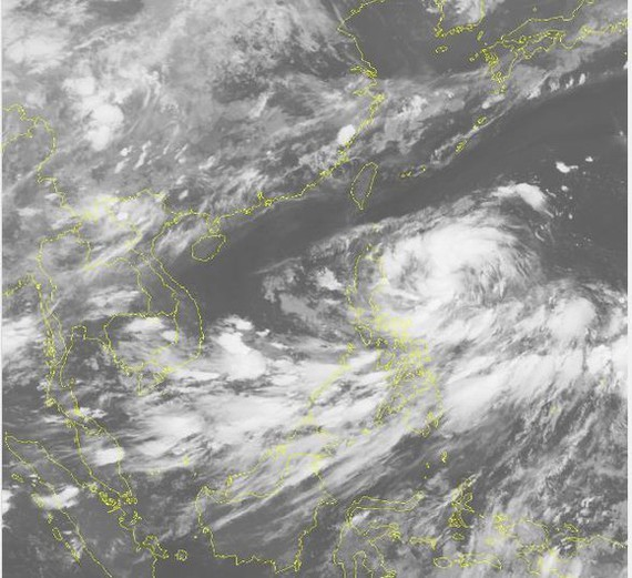 Newly- formed tropical depression nears East Sea
