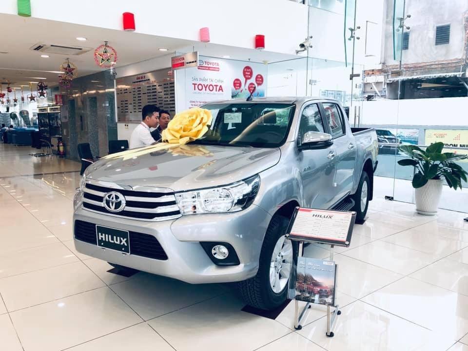Xe bán tải tháng 10: Vẫn 'hot' Ford Ranger, Toyota Hilux