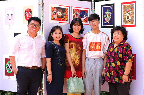 Student enlivens traditional theatre figures