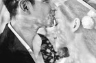 Tâm Tít lần đầu tiết lộ ảnh cưới sau gần 5 năm lấy chồng thiếu gia