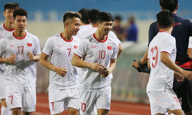 Đội hình Việt Nam vs UAE: Công Phượng dự bị
