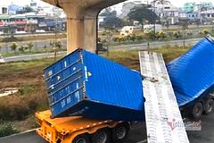 Vì sao xe container cao 4,2m kéo sập dầm cầu bộ hành cao 4,3m
