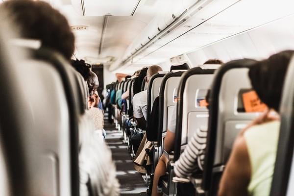Bí quyết tránh mệt mỏi trên những chuyến bay dài